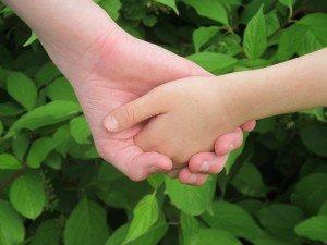 Main dans la main - emergence-conscience